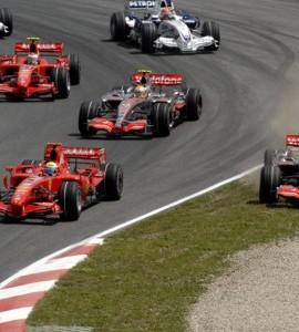 Kriegt F1 2010 doch noch die Kurve?