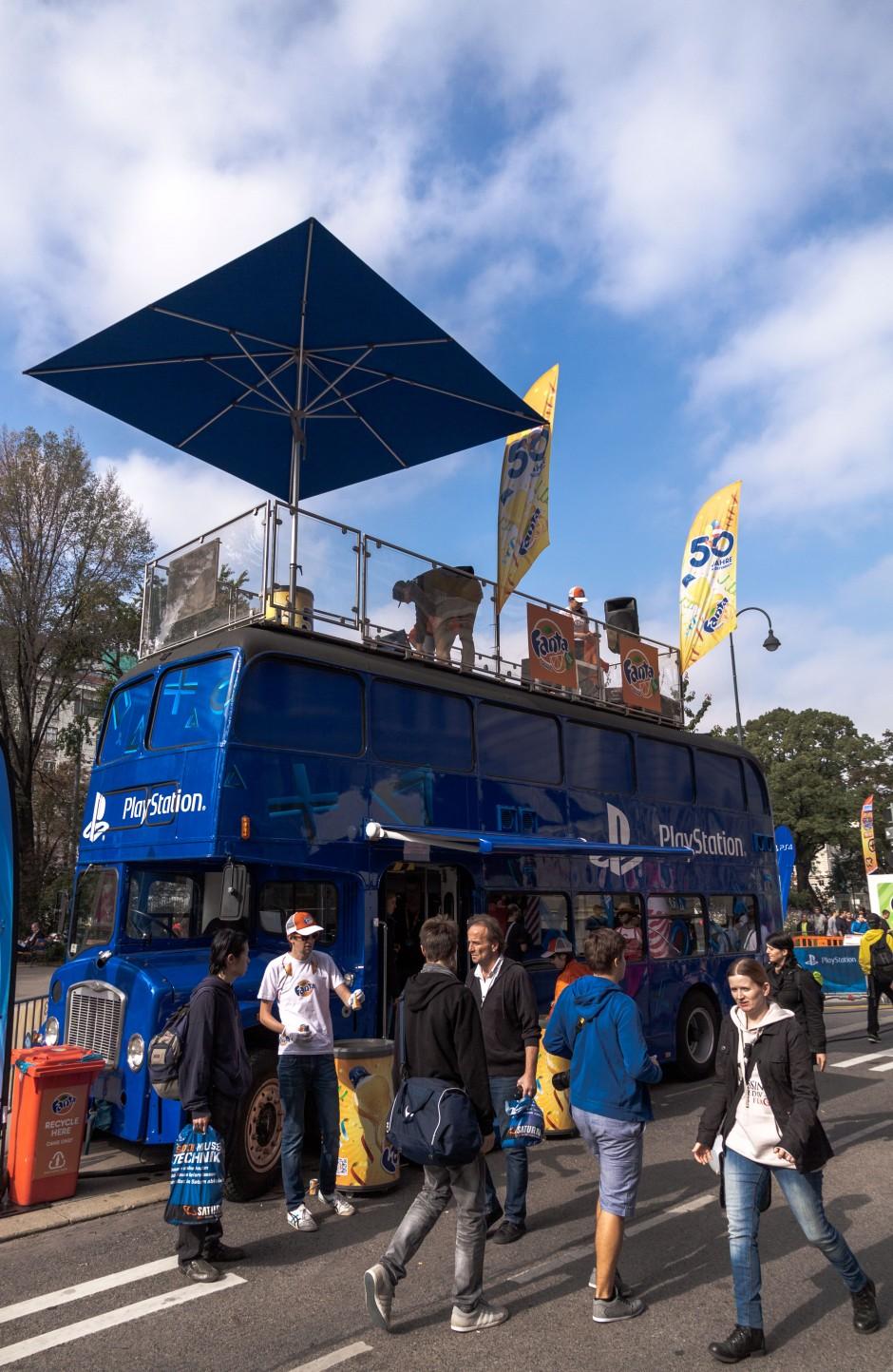 Sony hatte sich am Vorhof des Rathauses mit mehreren Trucks und Stationen breit gemacht